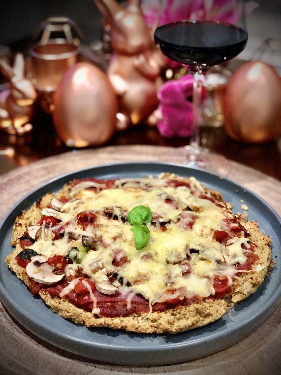 Pizza mit Quinoa Boden